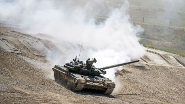 """Tank T-72B3 during equipment demonstration at the International Military-Technical Forum """"ARMY-2015"""" in Moscow region - Sputnik International"""