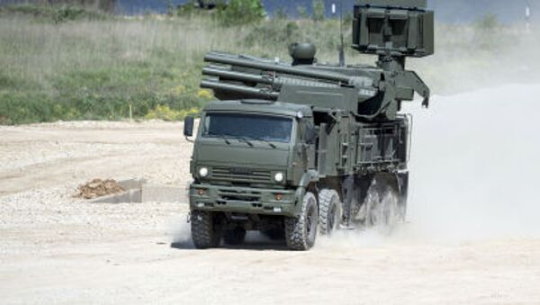"""Pantsir-S SA-22 Greyhound self-propelled surface-to-air missile system during equipment demonstration at the International Military-Technical Forum """"ARMY-2015"""" in Moscow region - Sputnik International"""
