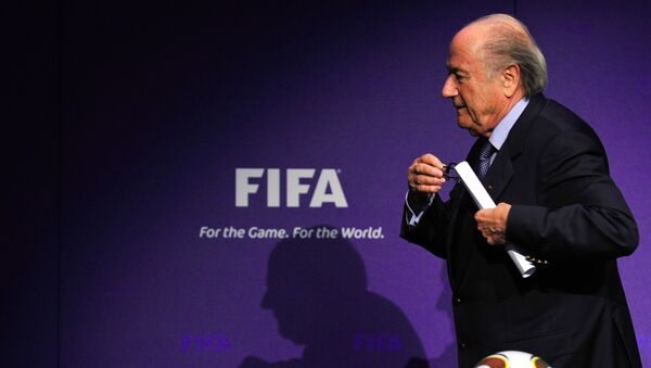 A picture taken on November 19, 2010 in Zurich shows FIFA president Sepp Blatter leaving a news conference following an executive committee meeting - Sputnik International