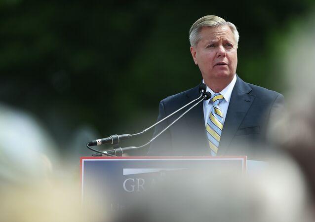 Sen. Lindsey Graham, R-S.C. speaks to supporters