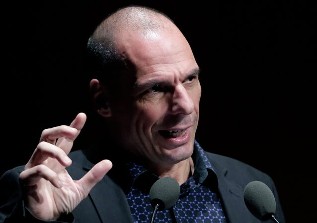Greek Finance Minister Yanis Varoufakis gives a speech during an Financial conference in Athens, on Tuesday, May 19, 2015