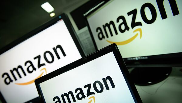 A picture shows the logo of the online retailer Amazon dispalyed on computer screens in London on December 11, 2014 - Sputnik International