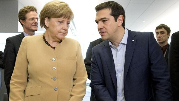 German federal chancellor Angela Merkel, talks with Greek prime minister Alexis Tsipras - Sputnik International