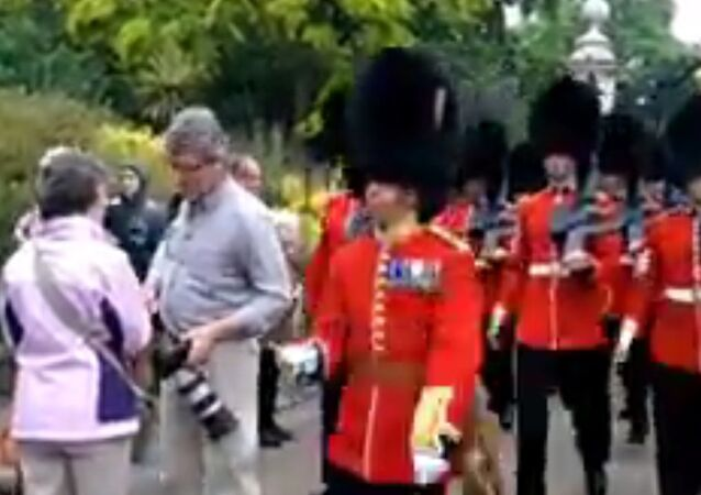 Queens Guards Don't Stop for Tourists