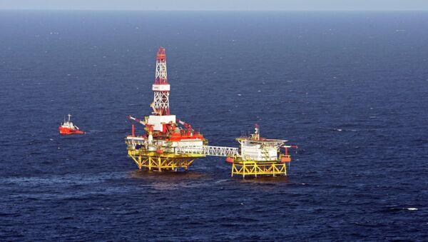 Fixed offshore ice-resistant platform of LUKoil Kaliningradmorneft in Baltic Sea - Sputnik International