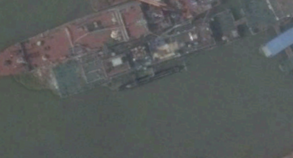 Satellite imagery shows what appears to be a new midget submarine at China's Wuchang shipyard.
