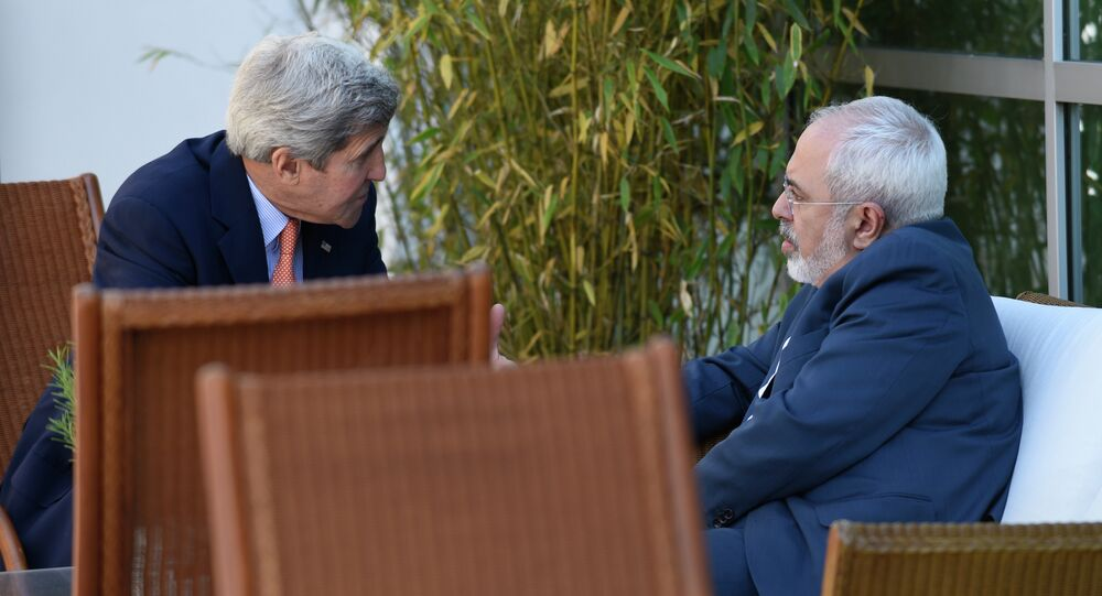 US Secretary of State John Kerry (L) talks with Iranian Foreign Minister Mohammad Javad Zarif on May 30, 2015