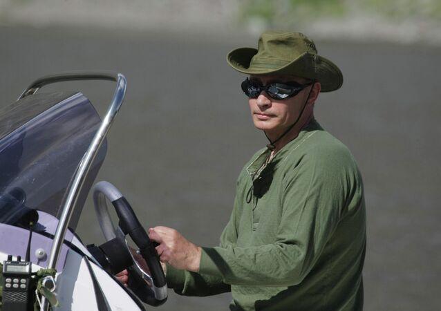 Vladimir Putin on vacation in Tyva Republic August 3, 2009