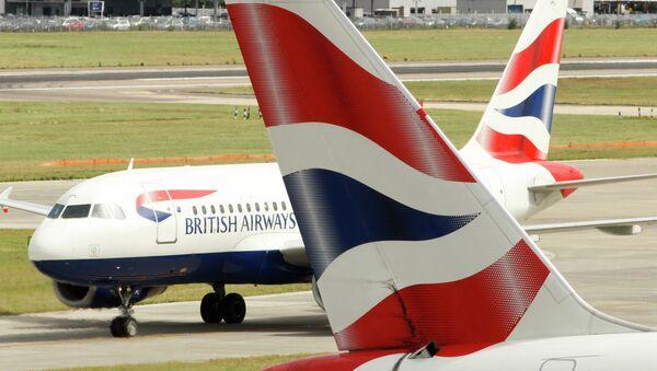 British Airways airplanes are seen at Heathrow Airport in London. - Sputnik International