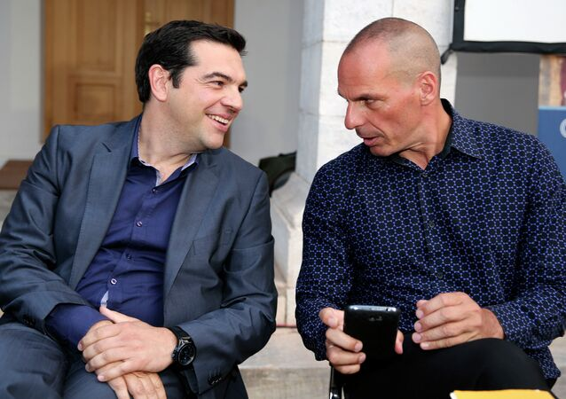 Greek Prime Minister Alexis Tsipras (left) and Finance Minister Yanis Varoufakis (right)