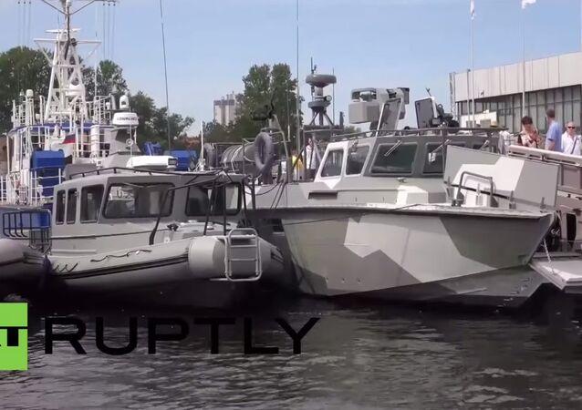 Russia: Kalashnikov shows off its new assault boats at IMDS 2015