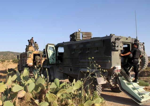 Tunisian soldiers and police