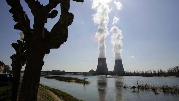 General view of the Belleville-sur-Loire's nuclear plant in France. - Sputnik International