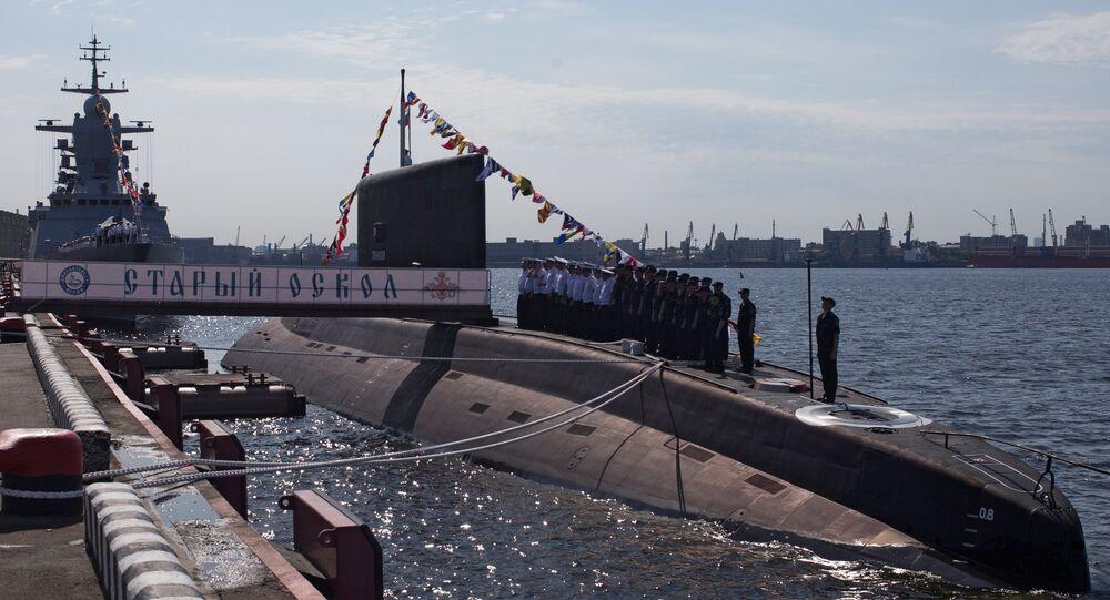 Stary Oskol submarine hoists its flag in St. Petersburg