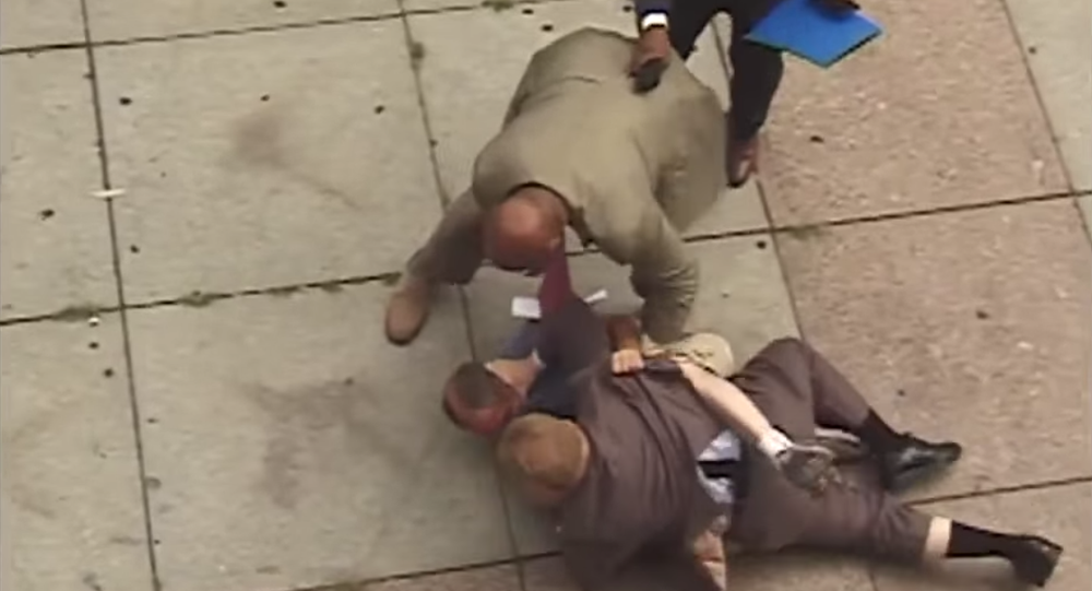 WATCH: Philly Mayor Steps in to Lend a Hand as Cop Beats Up Homeless Man