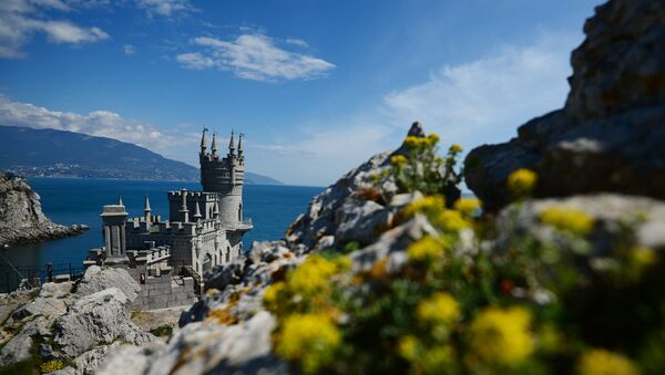 Swallow's Nest is a monument of architecture on top of the Aurora Cliff overlooking the Cape of Ai-Todor in Yalta, the Crimea. - Sputnik International