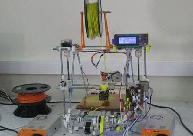 The 3D Printer made at home by radiophysics lecturer Nikolai Bulatov