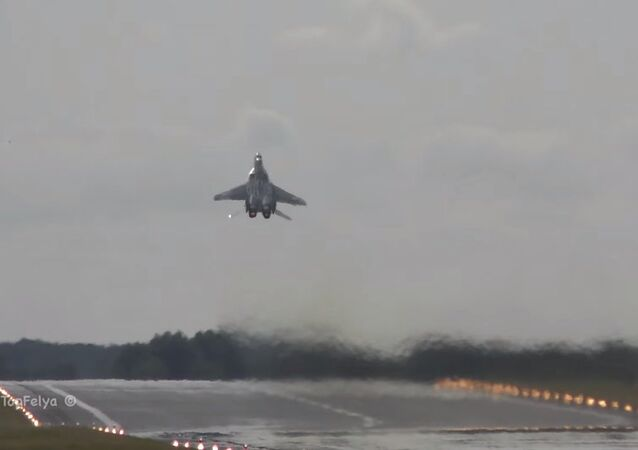 Spectacular Vertical Takeoff MiG-29