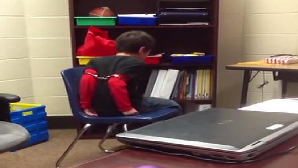 Lawsuit: Kentucky Cops Handcuffed, 'Traumatized' Elementary School Students - Sputnik International