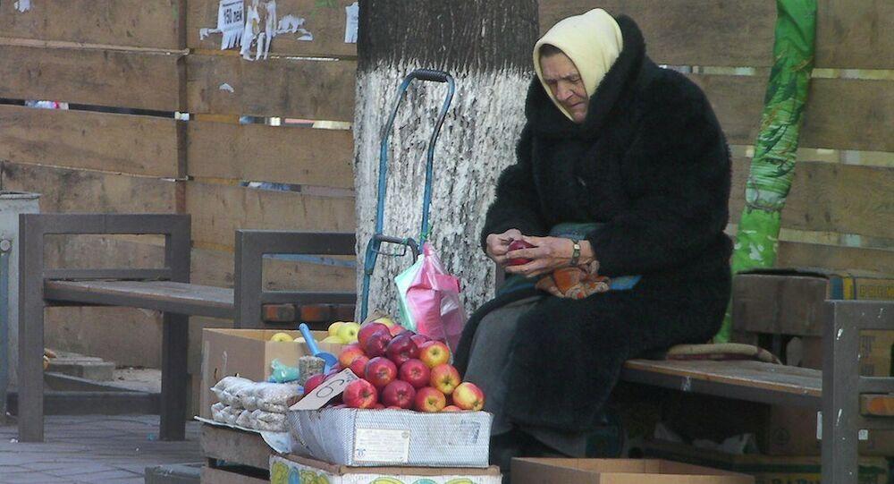 Apples for sale, Slobozia Cojevena, Chisinau, Moldova