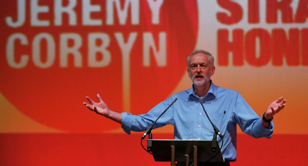 Labour Party leadership candidate Jeremy Corbyn speaks at a rally in the Arts Centre Theatre in Aberdeen, Scotland August 13, 2015