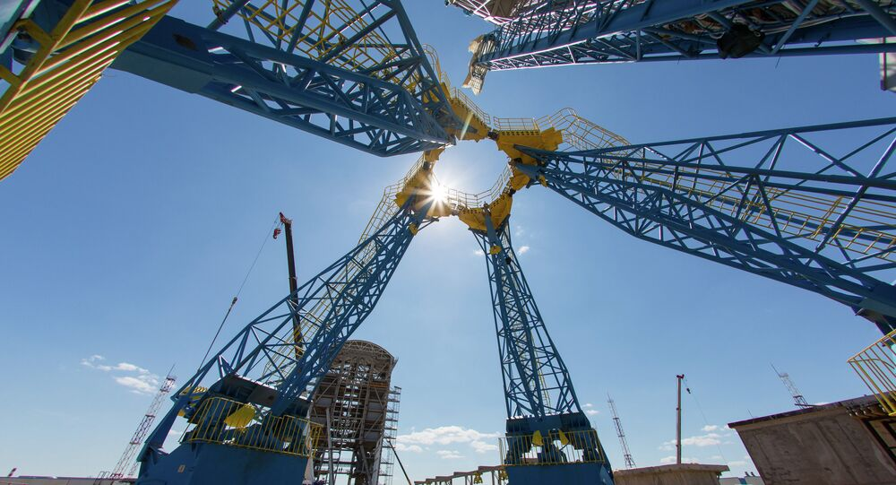 The mast for fuel supply to the Soyuz-2 rocket on the launch pad at the Vostochny Cosmodrome in Amur Region
