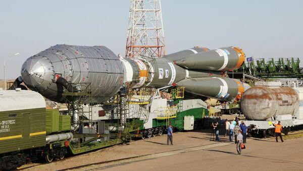 Soyuz 2.1a rocket launcher delivered to Baikunur launch site - Sputnik International