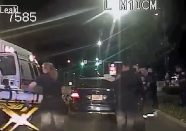 Seattle Police Pull Over Car, End Up Delivering Baby