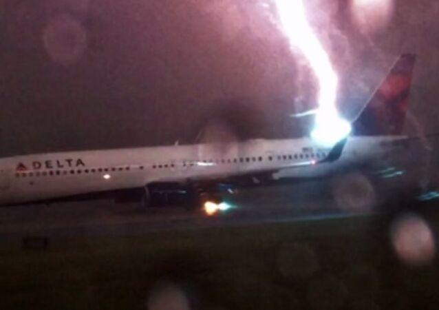 Delta Flight Lightning Strike