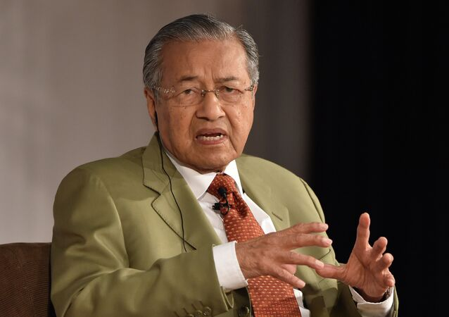 Malaysia's former prime minister Mahathir bin Mohamad speaks in a dialogue at the 21st International Conference of The Future of Asia at a hotel in Tokyo on May 22, 2015