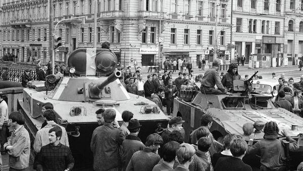 Soviet tanks in Prague during the Prague Spring, August 21, 1986. File photo - Sputnik International