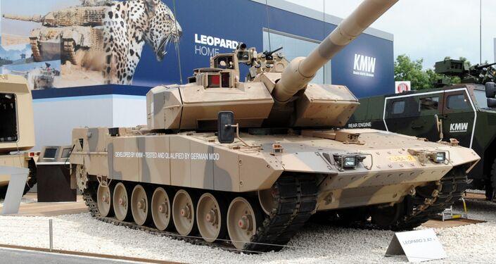 The battle tank Leopard 2 A7 is presented by German Krauss-Maffei Wegmann (KMW) on June 14, 2010 at Eurosatory 2010 in Villepinte near Paris