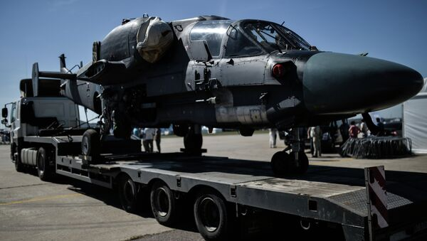 A Ka-26 helicopter is transported for the final rehearsal of the opening of the MAKS 2015 International Aviation and Space Salon - Sputnik International