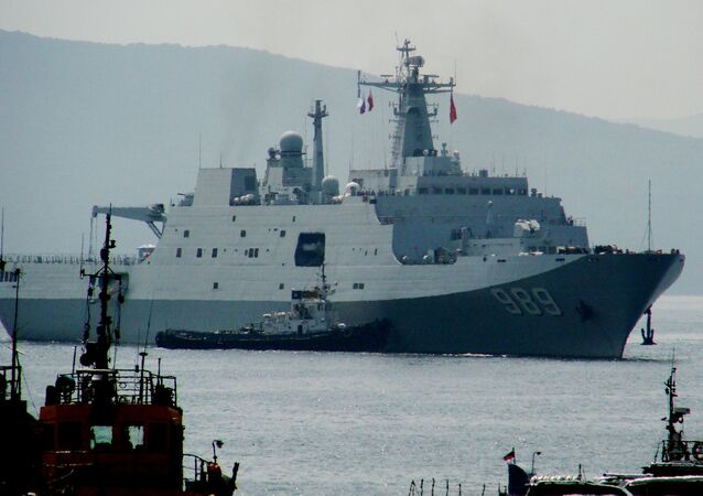 Welcoming Chinese warships in Vladivostok