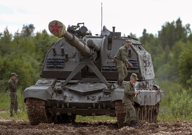 A MSTA-S self-propelled howitzer displayed at the Army 2015 International Military-Technical Forum in Kubinka