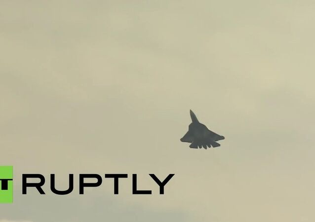 Sukhoi T-50 fighter jet debuts at MAKS-2015 air show