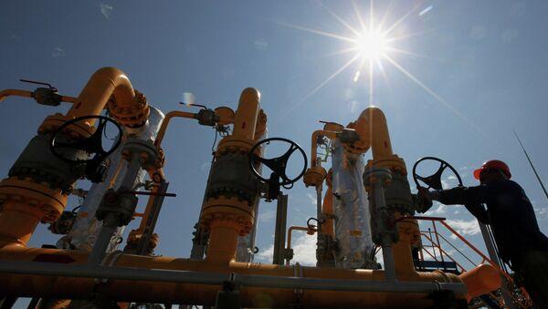 Construction of pipeline from GDS on Russian island - Sputnik International