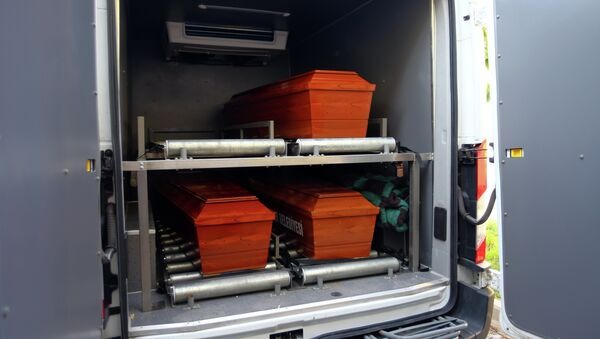 The coffins of mother Rehan Kurdi, and Syrian boys Aylan, 3, and Galip, 5, who were washed up drowned on a beach near Turkish resort of Bodrum on Wednesday, are placed in a funeral car in Mugla, Turkey, Thursday, Sept. 3, 2015 - Sputnik International