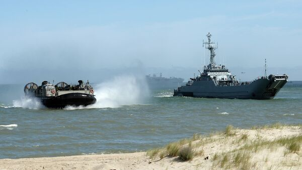 NATO troops make a massive amphibious landing off the coast of Ustka, northern Poland, during NATO military sea exercises BALTOPS (Baltic Operations) 2015 in the Baltic Sea - Sputnik International