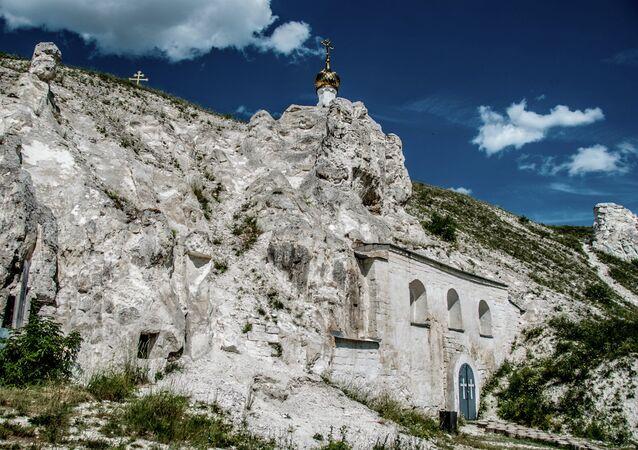 Nature's Masterpiece in Central Russia: Divnogorye
