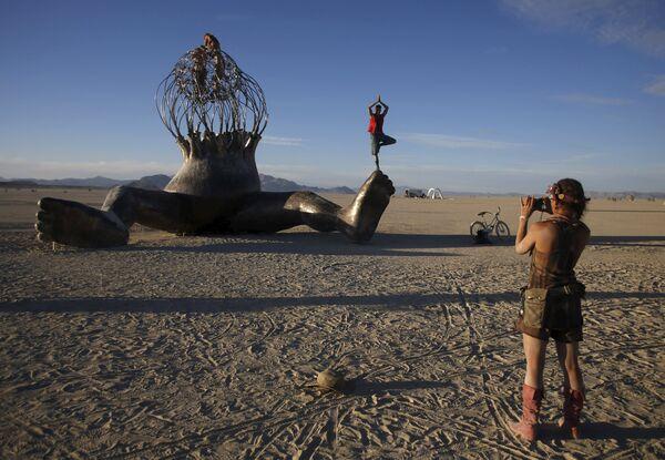 Light My Fire: Burning Man Festival 2015 Lights Up Nevada Desert - Sputnik International