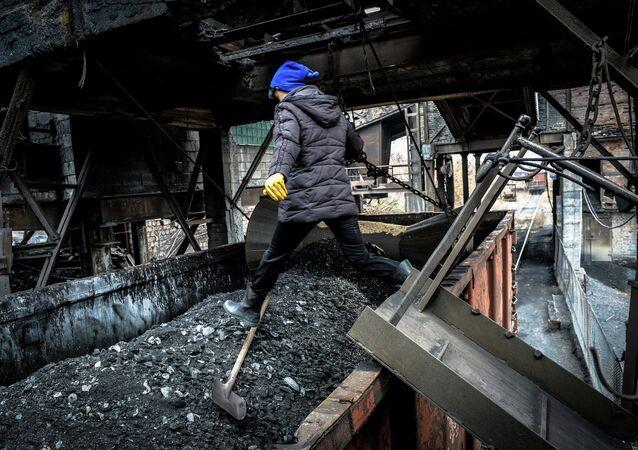 Loading coal at the Chelyuskintsev mine in Donetsk.