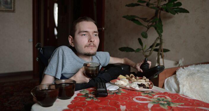Russian Valery Spiridonov agrees to world's first head transplant