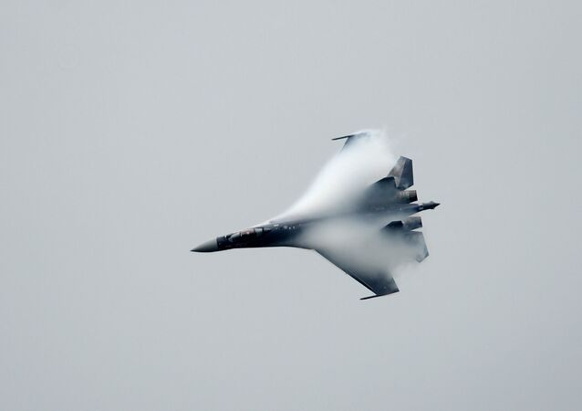 A Russian Sukhoi SU-35 performs at Le Bourget airport, near Paris, on June 22, 2013 during the 50th International Paris Air show