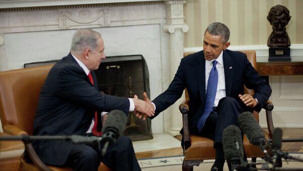 President Barack Obama and Israeli Prime Minister Benjamin Netanyahu shakes hands in the Oval Office of the White House in Washington, Monday, March 3, 2014. - Sputnik International