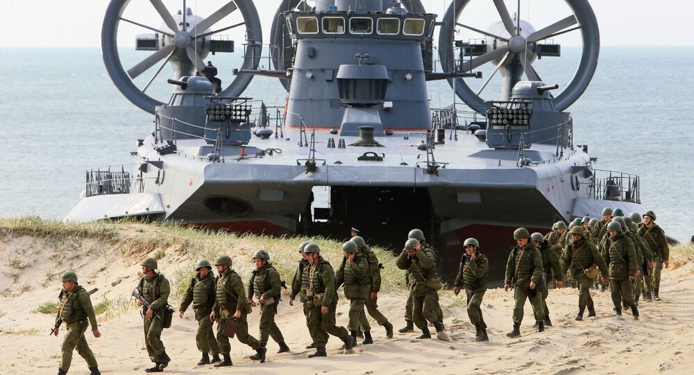 The air-cushion small landing ship Mordovia and servicemen of coastal defence troops at the Baltic Fleets's range during the joint Russian-Belarusian drills Union Shield 2015 in Kaliningrad Region