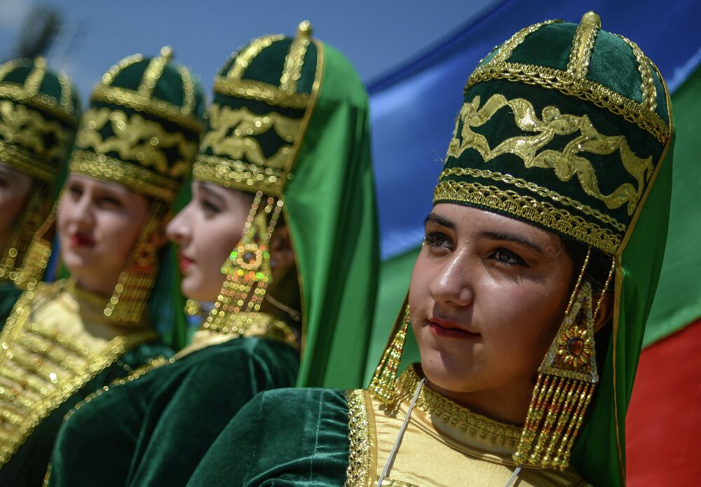 Guests of the celebrations were treated to a grand program of celebrations. The cultural festival featured 29 national farmsteads, from Dagestan and across Russia.