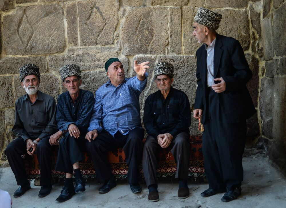 Festival guests were given the opportunity to visit the homes of the city's ancient quarter, offered tea, sweets and good conversation with hospitable hosts.