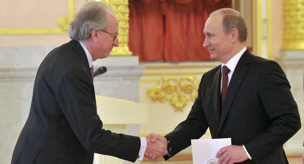 Russian President Vladimir Putin (right) and Kingdom of Spain ambassador Jose Ignacio Carbajal Garate attending the ceremony of credentials presentation by plenipotentiary ambassadors of 19 states in the St.Alexander Hall of the Grand Kremlin Palace, January 24, 2013