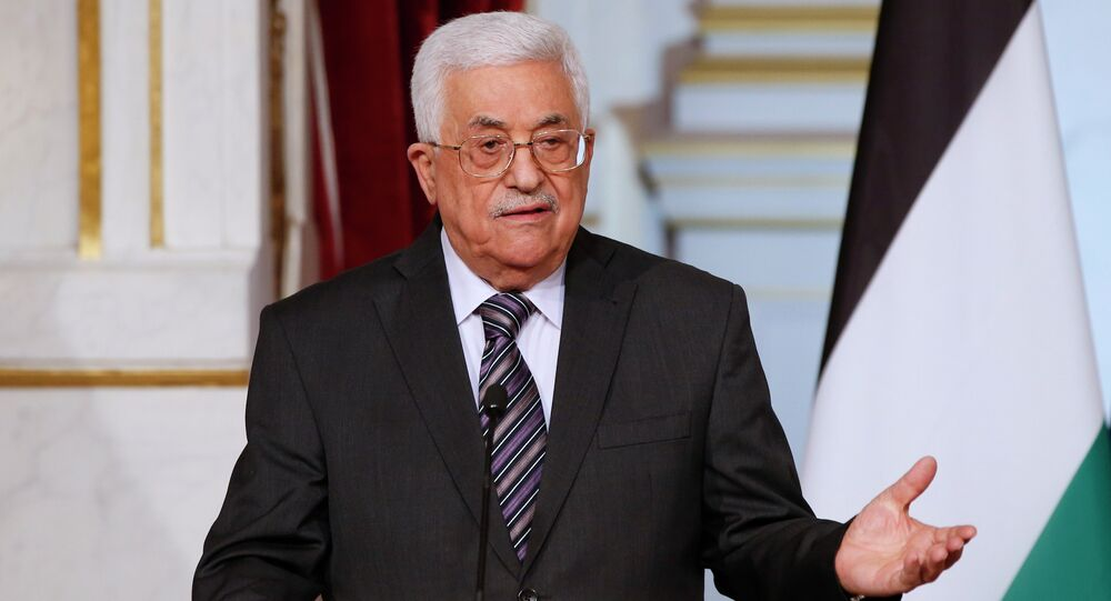 Palestinian president Mahmud Abbas holds a press conference with his French counterpart at the Elysee Palace in Paris on September 22, 2015